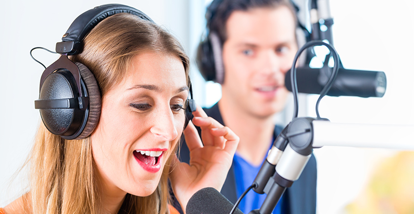 MUSIC FROM 46,602 RADIO STATIONS TUNE IN TO THOUSANDS OF INTERNET RADIO STATIONS LIVE RIGHT NOW!